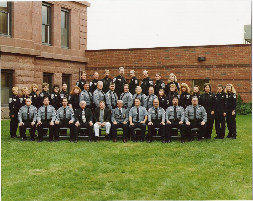 Sheriff's Office group photo 2001